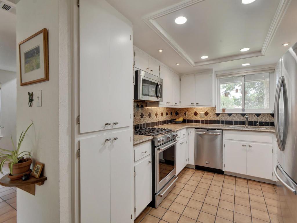 7704 Malvern Hill Ct-MLS_Size-009-16-Kitchen and Breakfast 01-1024x768-72dpi