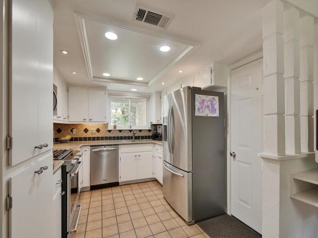 7704 Malvern Hill Ct-MLS_Size-011-20-Kitchen and Breakfast 03-1024x768-72dpi