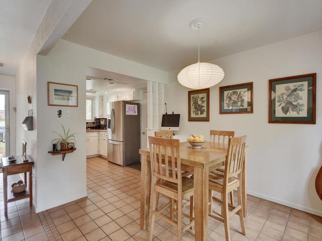 7704 Malvern Hill Ct-MLS_Size-012-22-Kitchen and Breakfast 04-1024x768-72dpi