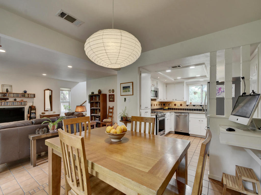 7704 Malvern Hill Ct-MLS_Size-014-32-Kitchen and Breakfast 06-1024x768-72dpi