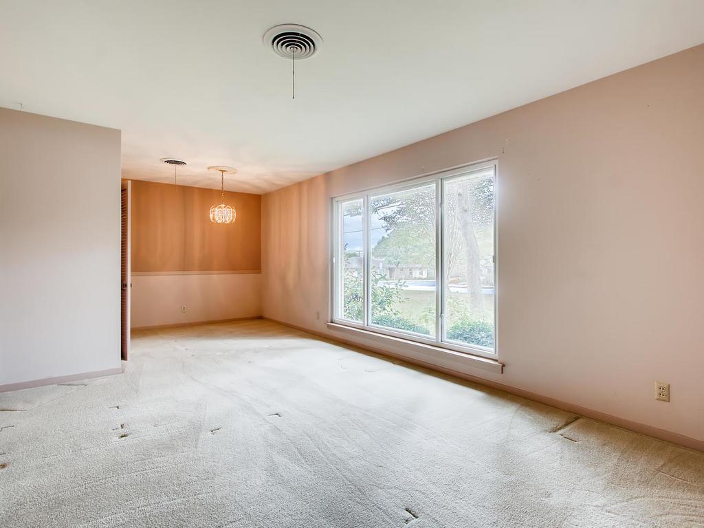 2725 Barton Skyway Austin TX-004-029-Living Room-MLS_Size