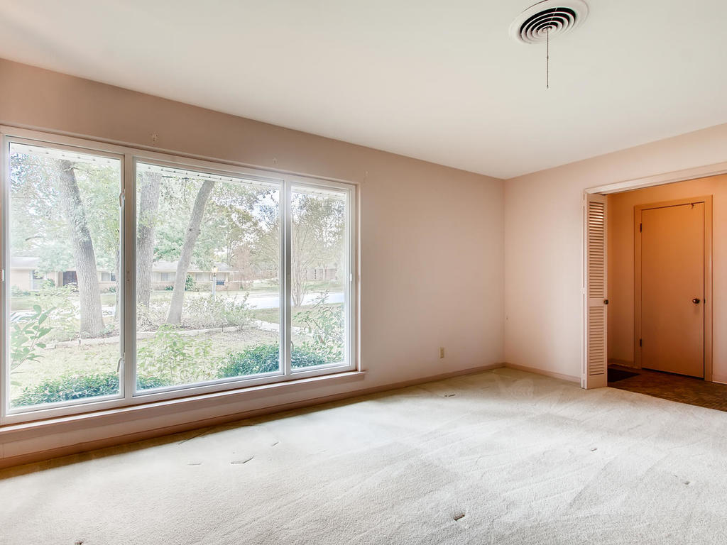 2725 Barton Skyway Austin TX-005-032-Living Room-MLS_Size