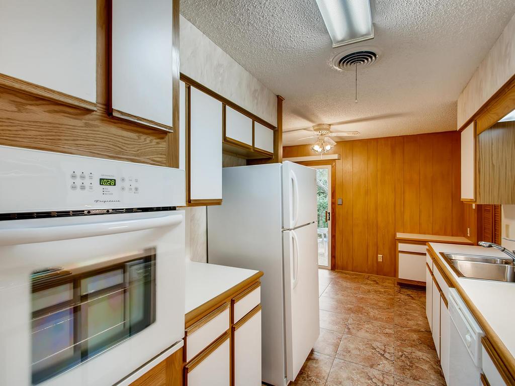 2725 Barton Skyway Austin TX-008-049-Kitchen-MLS_Size