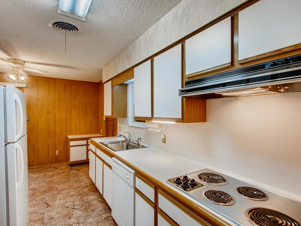 2725 Barton Skyway Austin TX-009-030-Kitchen-MLS_Size