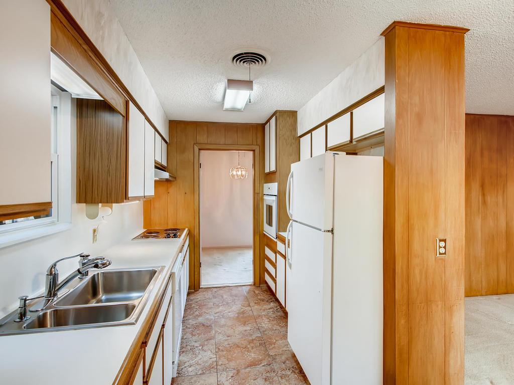 2725 Barton Skyway Austin TX-010-040-Kitchen-MLS_Size