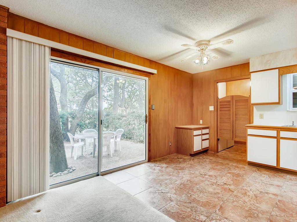2725 Barton Skyway Austin TX-012-036-Breakfast Area-MLS_Size