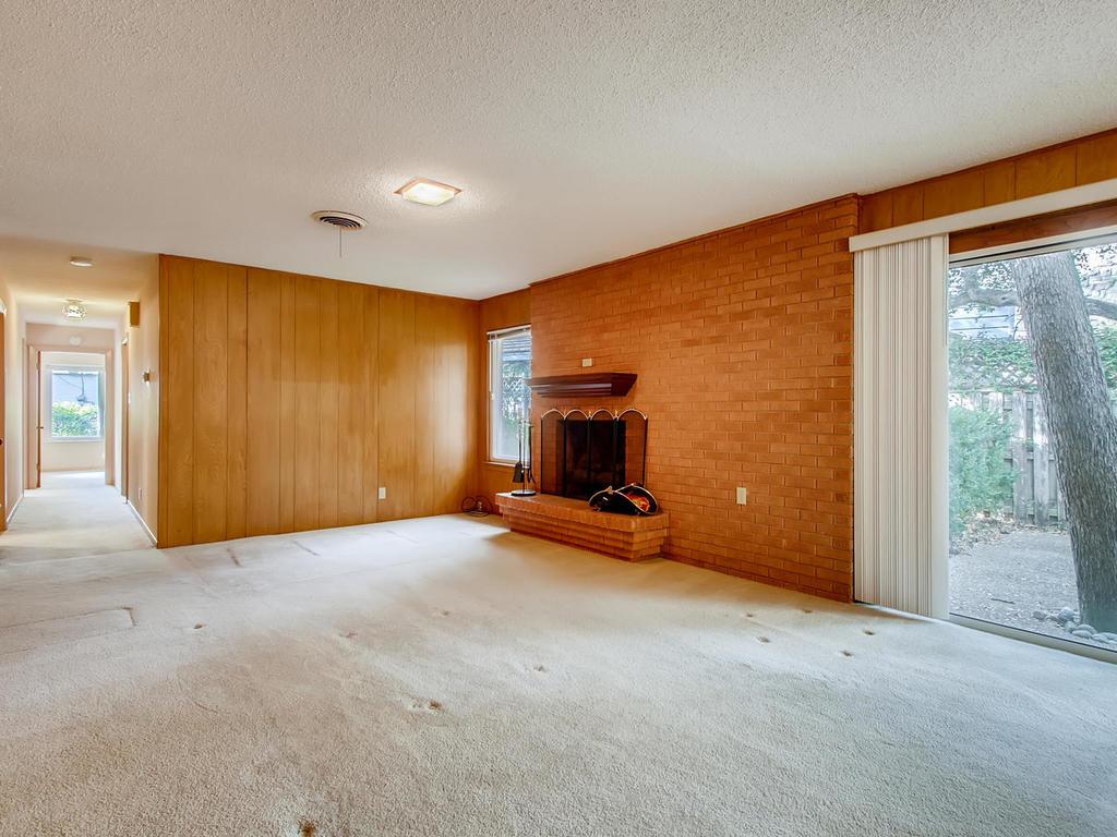2725 Barton Skyway Austin TX-013-046-Family Room-MLS_Size