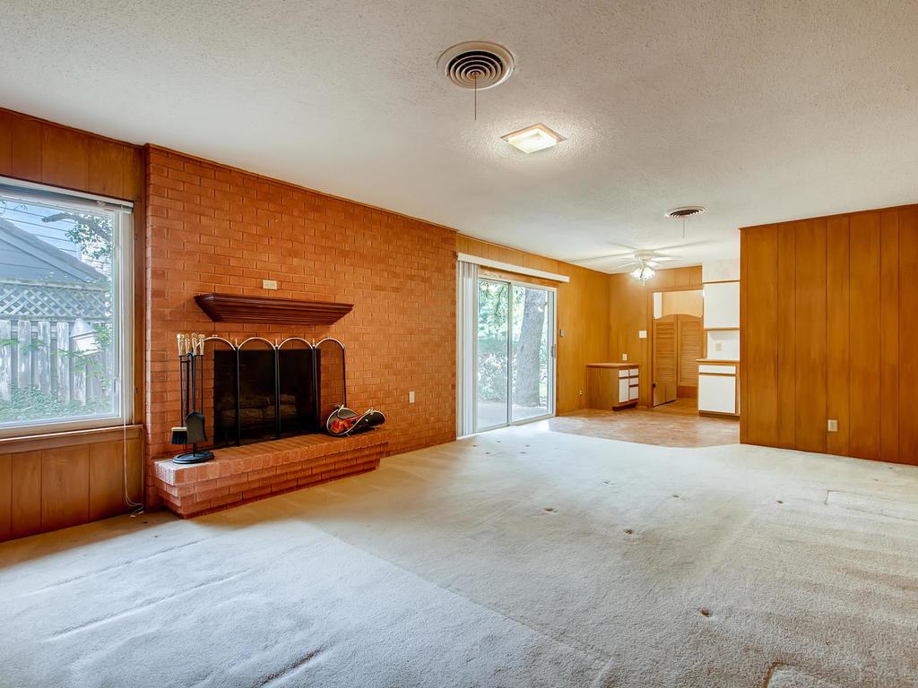 2725 Barton Skyway Austin TX-014-047-Family Room-MLS_Size