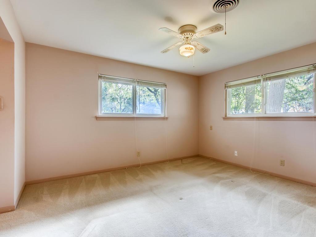 2725 Barton Skyway Austin TX-015-037-Master Bedroom-MLS_Size