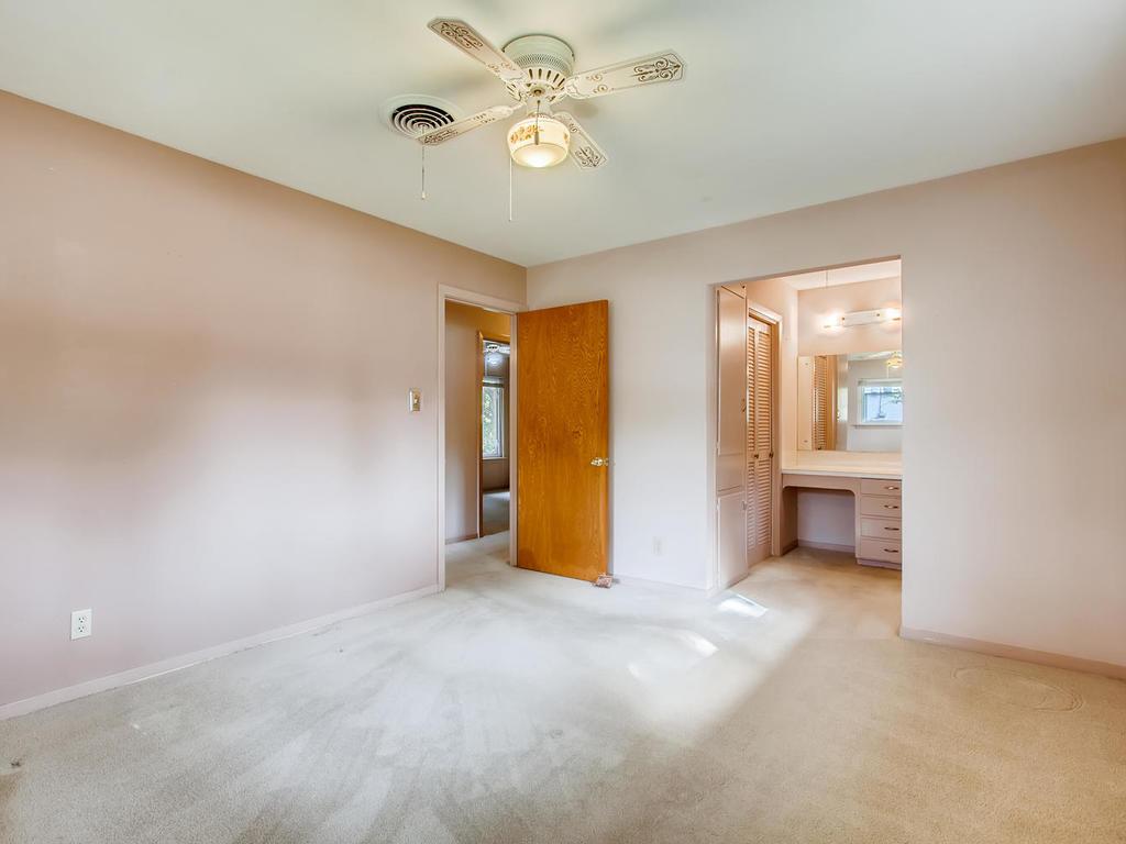 2725 Barton Skyway Austin TX-016-054-Master Bedroom-MLS_Size