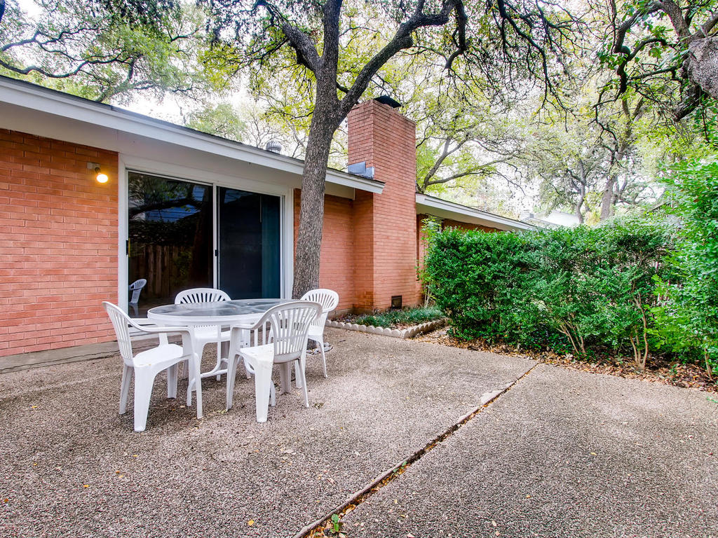 2725 Barton Skyway Austin TX-025-052-Patio-MLS_Size