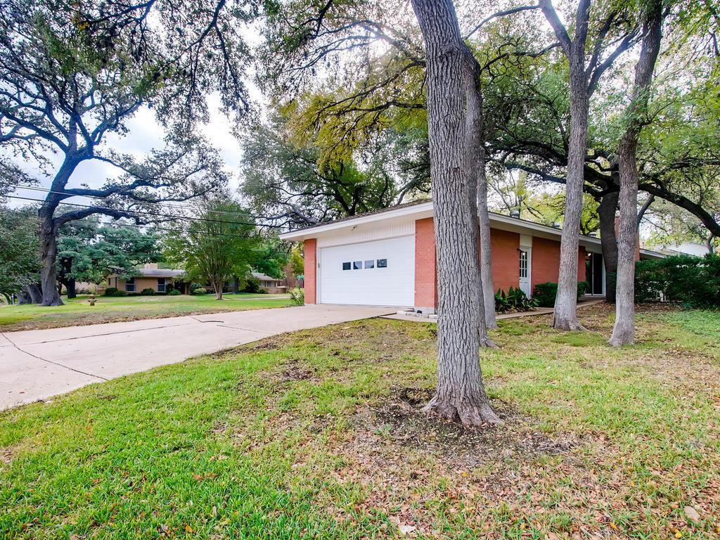 2725 Barton Skyway Austin TX-026-056-Exterior Side-MLS_Size