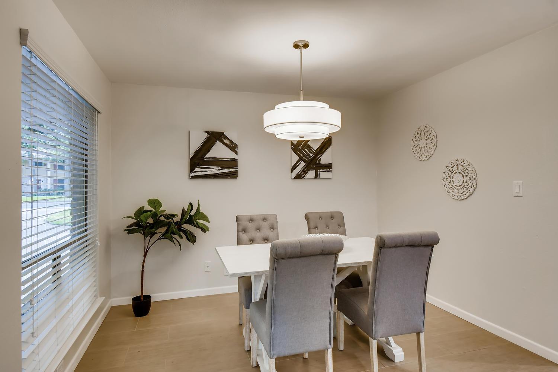 11902 Brookwood Circle Austin-large-008-015-Dining Room-1500x1000-72dpi