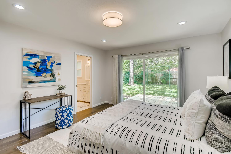 11902 Brookwood Circle Austin-large-019-019-Master Bedroom-1500x1000-72dpi