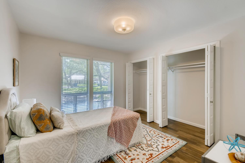 11902 Brookwood Circle Austin-large-021-022-Bedroom-1500x1000-72dpi