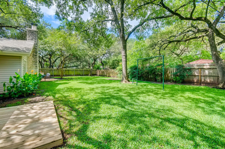 11902 Brookwood Circle Austin-large-028-027-Back Yard-1500x999-72dpi