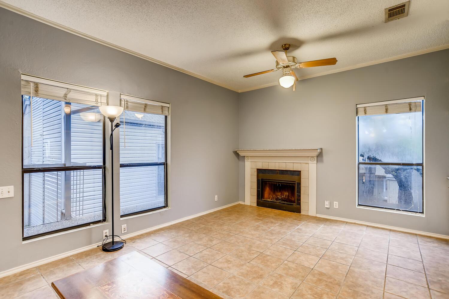 802 S 1st St Unit 205 Austin-large-006-004-Living Room-1500x1000-72dpi