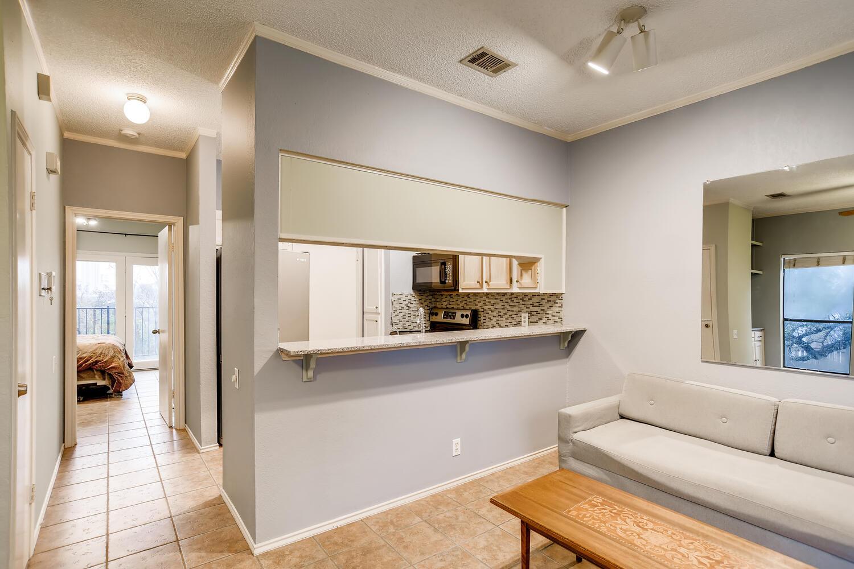 802 S 1st St Unit 205 Austin-large-007-010-Kitchen-1500x1000-72dpi