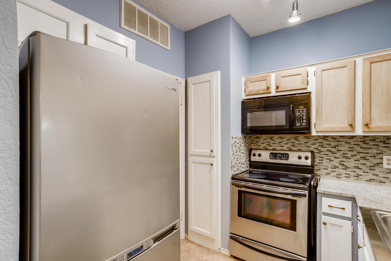 802 S 1st St Unit 205 Austin-large-008-007-Kitchen-1500x1000-72dpi