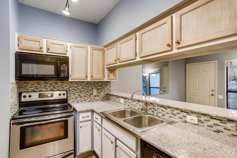802 S 1st St Unit 205 Austin-large-009-009-Kitchen-1500x1000-72dpi