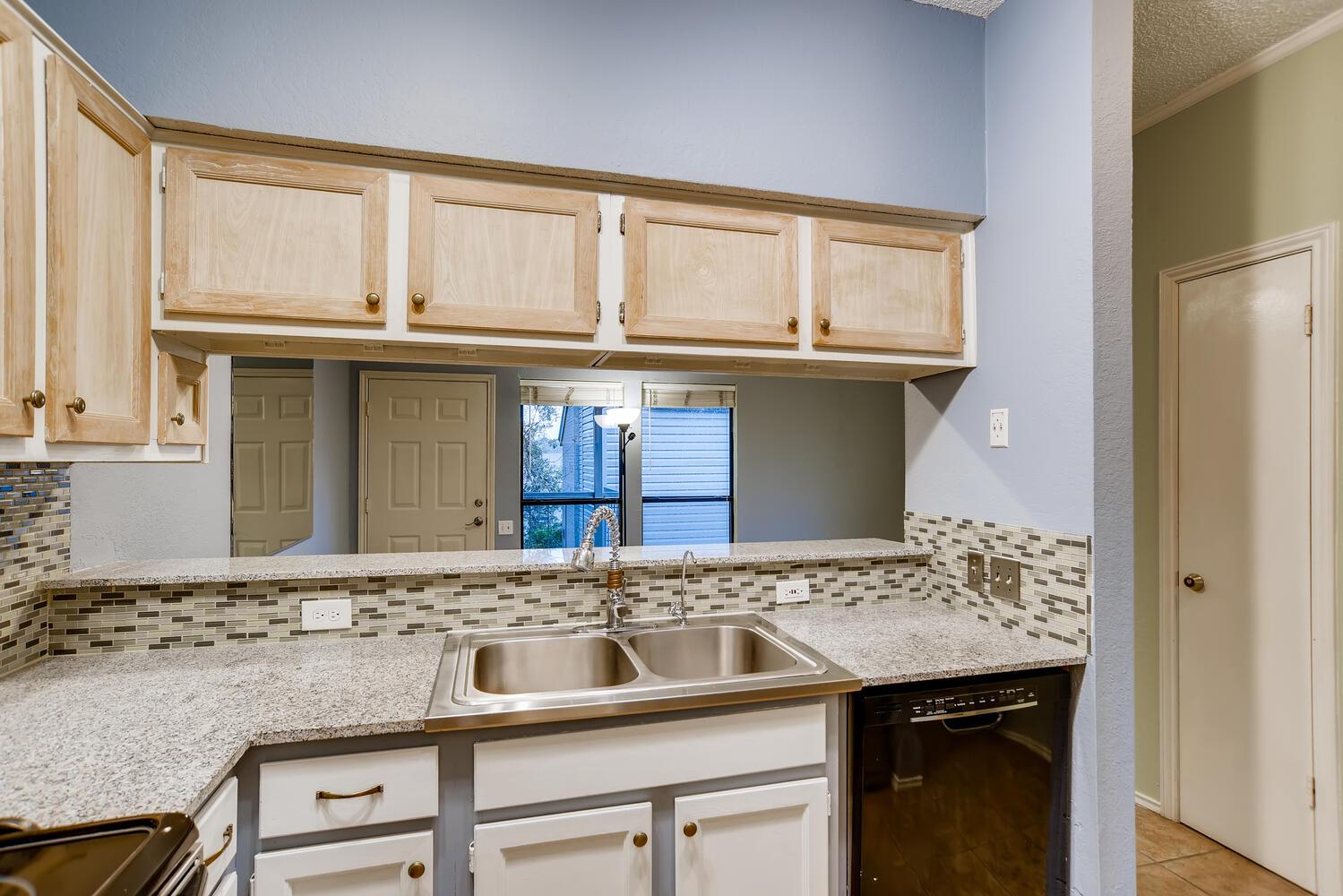 802 S 1st St Unit 205 Austin-large-010-022-Kitchen-1500x1000-72dpi