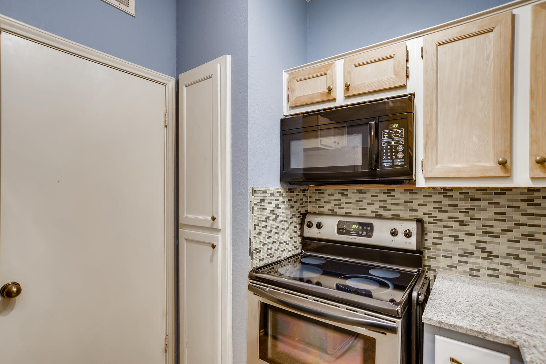802 S 1st St Unit 205 Austin-large-012-008-Kitchen-1500x1000-72dpi