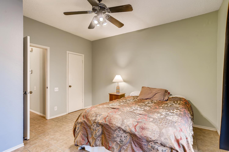 802 S 1st St Unit 205 Austin-large-016-014-Master Bedroom-1500x1000-72dpi